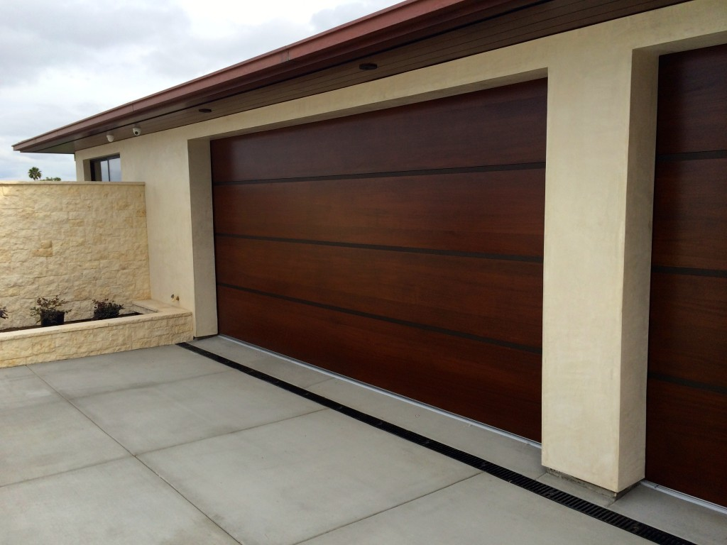 Custom garage doors - lunetta style