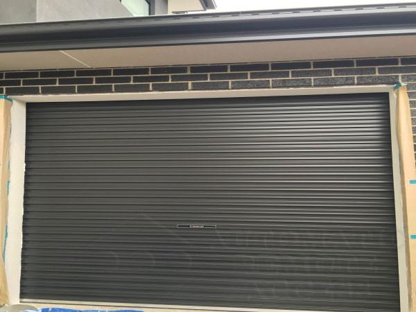 A series monument roller garage door